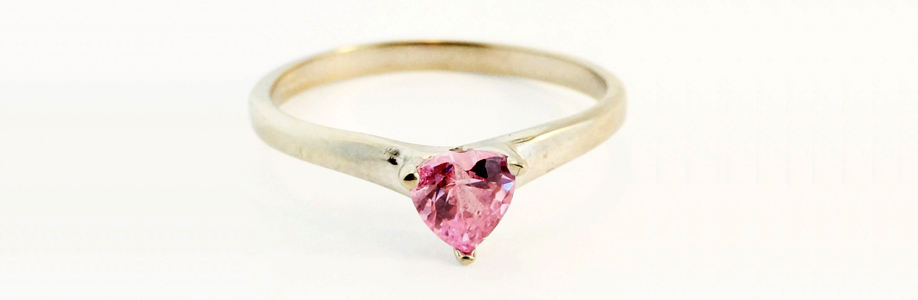 9Ct White Gold Simulated Pink Heart Shape Diamond Solitaire Ring