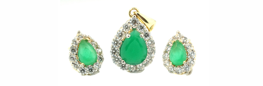 Yellow Gold, Pear Cut Emerald and Diamond Pendant and Earring Set