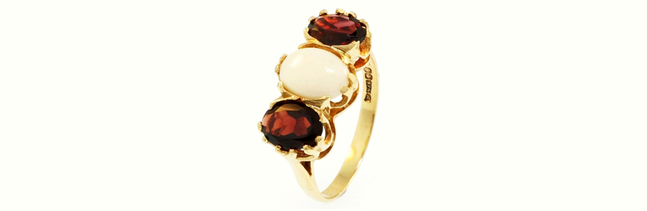 Vintage Yellow Gold Opal and Garnet Ring